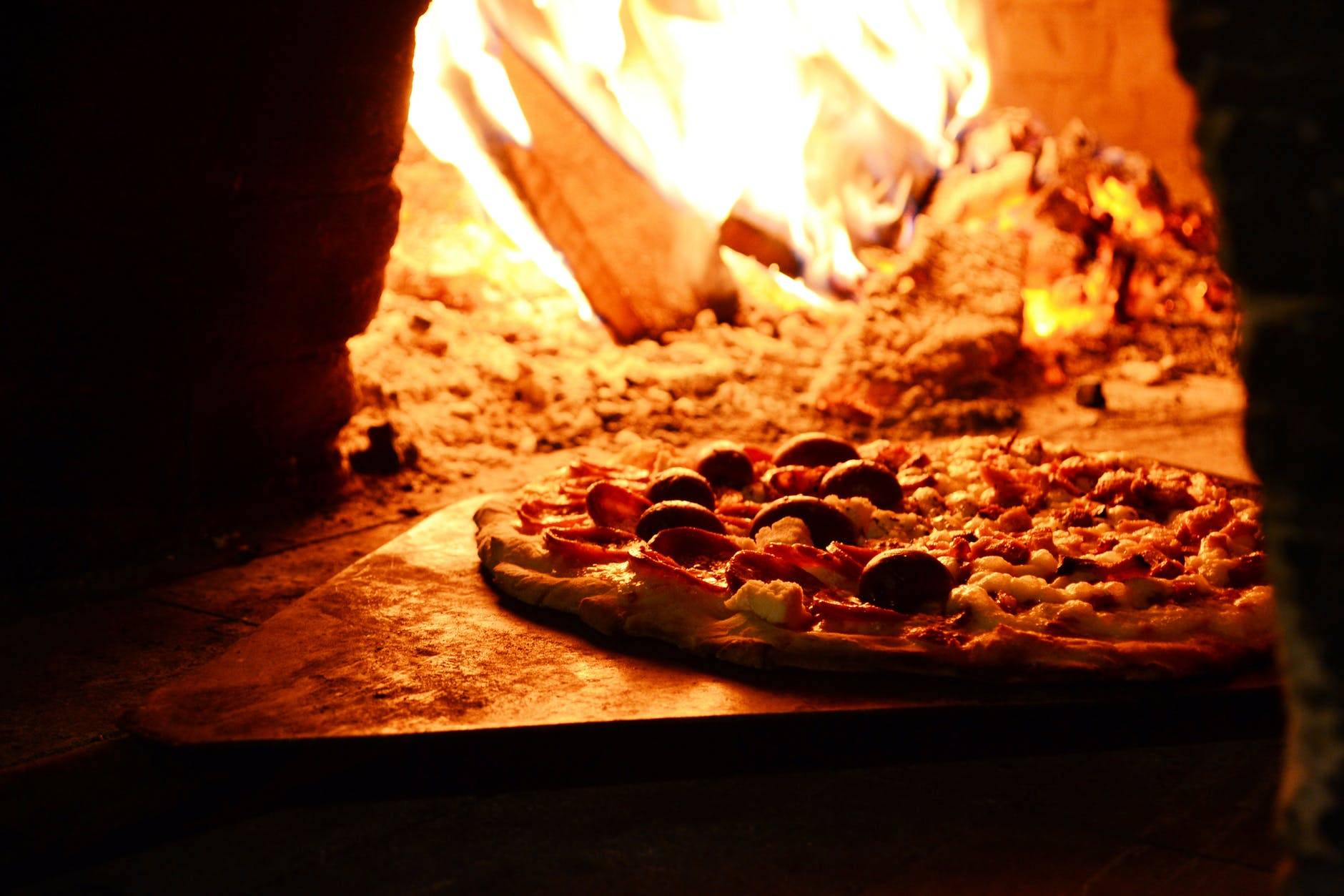 Celebrate National Cheese Pizza Day At The Lion Hotel The Lion
